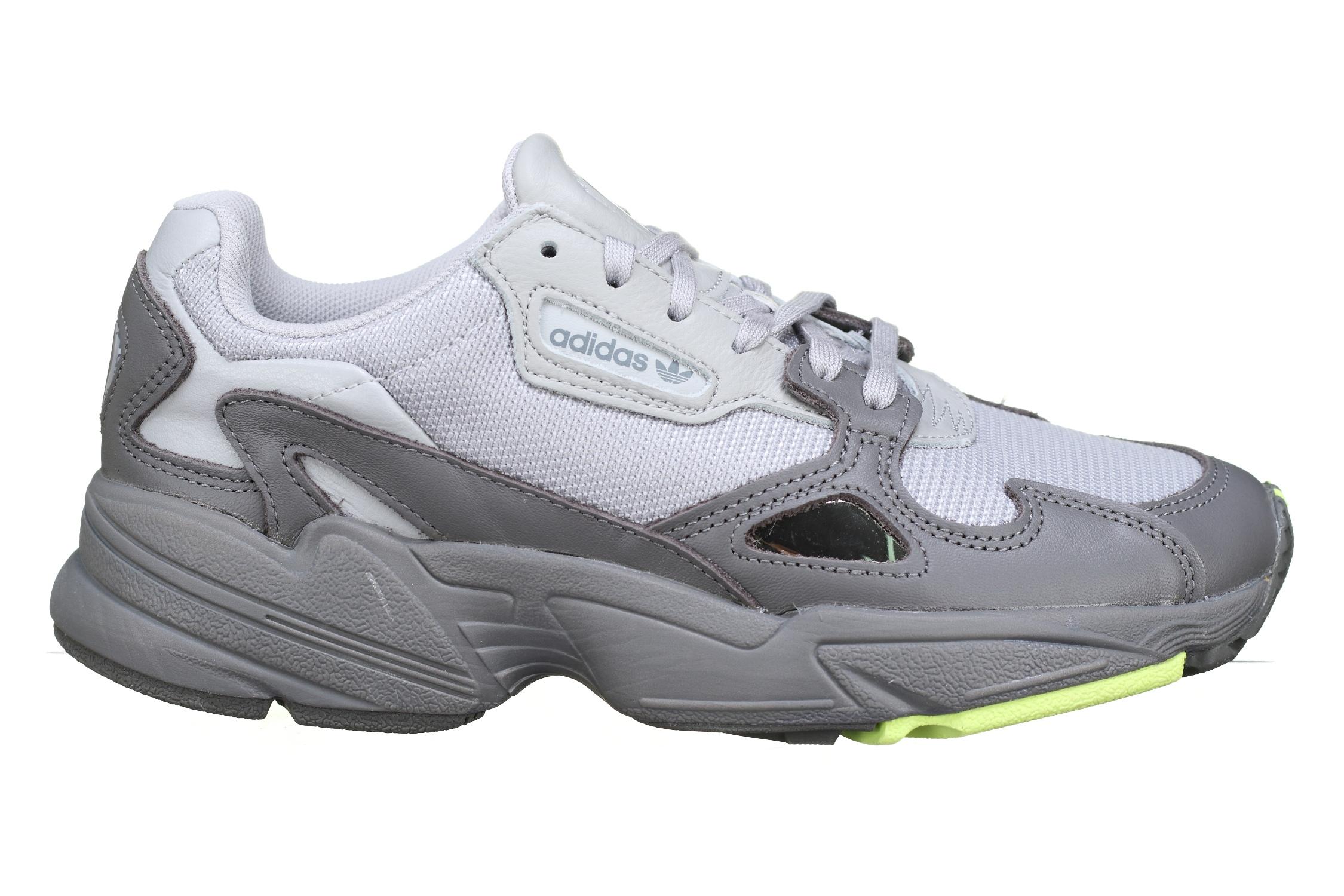 https://www.leadermode.com/180934/adidas-falcon-w-ee5115-gris.jpg