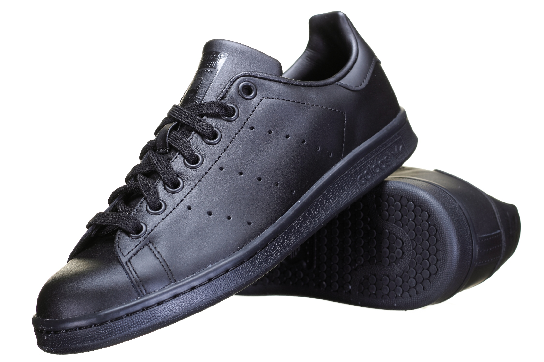 http://www.leadermode.com/70870/adidas-stan-smith-noir.jpg